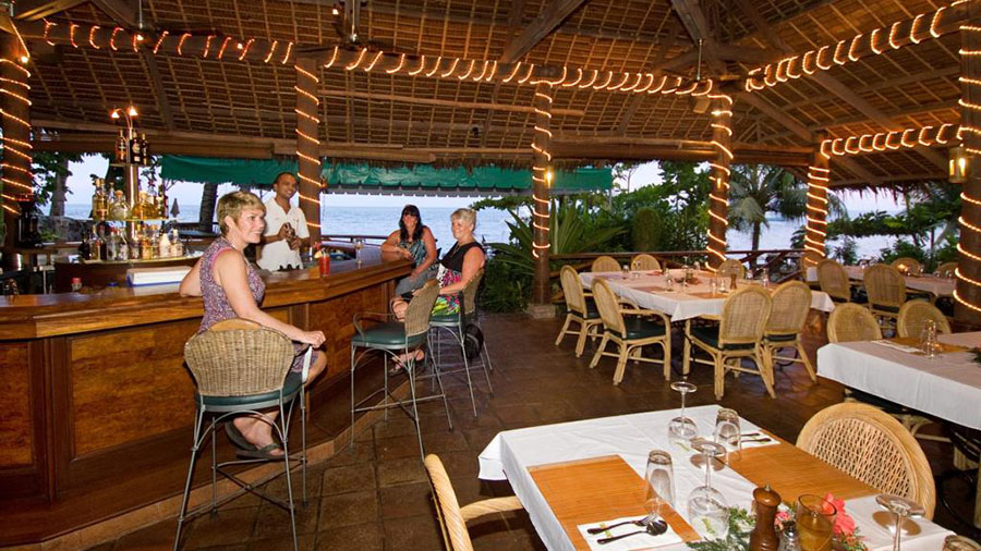 Atlantis Dive Resort Dumaguete Restaurant and Bar