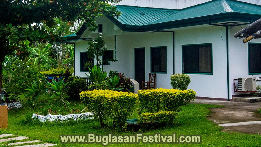 Dauin Mahogany Upland Resort