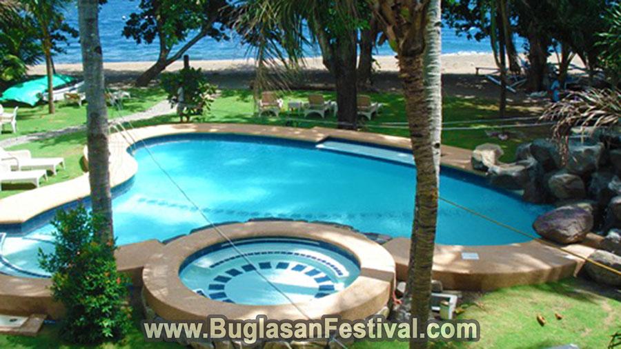 Mike's Dauin Dive Resort Pool