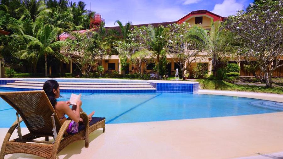 Sierra Resort Pool view