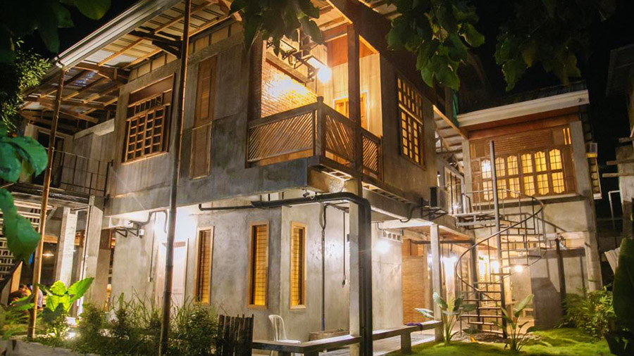 The Flying Fish Hostel - Dumaguete City