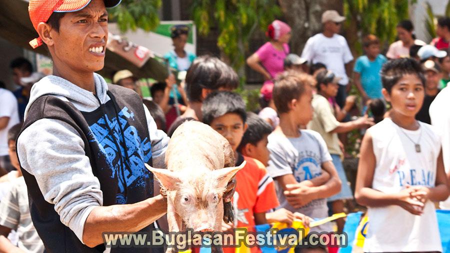 Pandanyag Festival 2018 - La Libertad - piglet catching