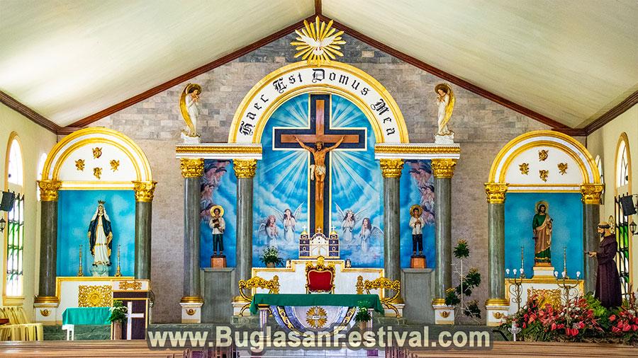 Manjuyod - Negros Oriental - Saint John de Asisi Parish Altar